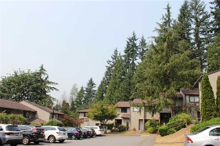 "Main Photo: 941 BLACKSTOCK Road in Port Moody: North Shore Pt Moody Townhouse for sale in ""WOODSIDE VILLAGE"" : MLS® # R2194996"