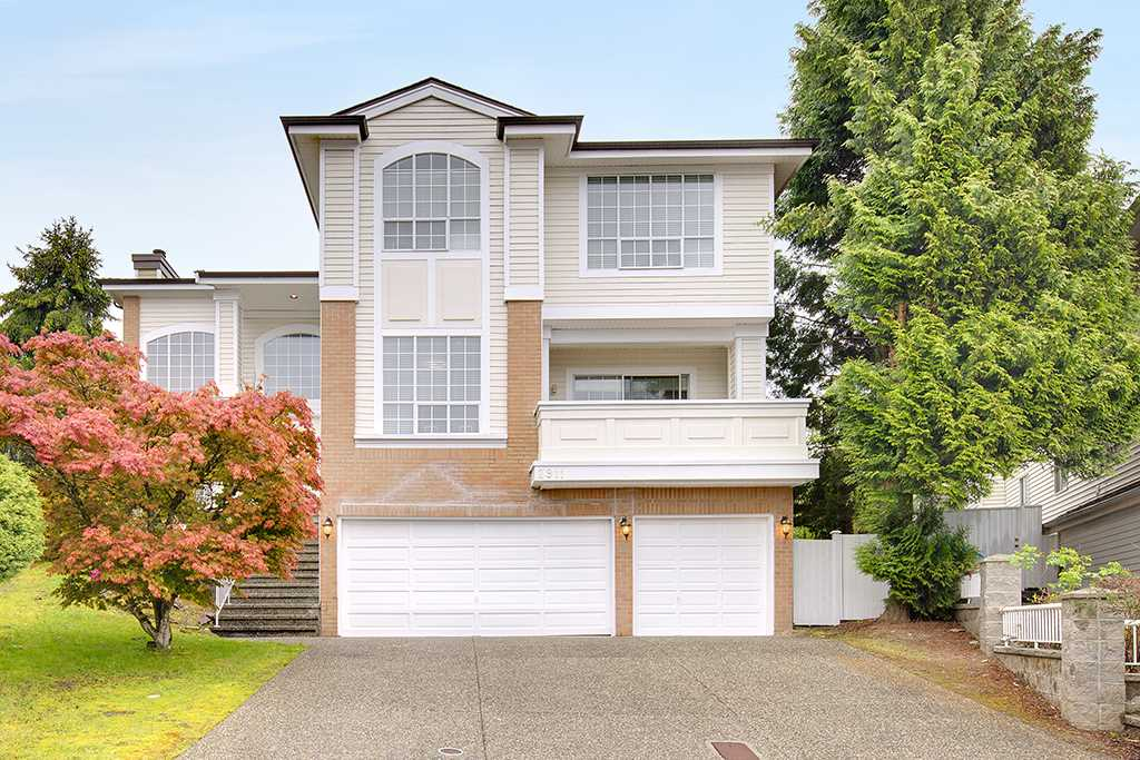 Main Photo: 2911 WOODSTONE Court in Coquitlam: Westwood Plateau House for sale : MLS® # R2196050