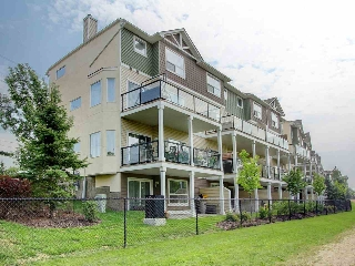 Main Photo:  in Edmonton: Zone 30 Townhouse for sale : MLS® # E4078424