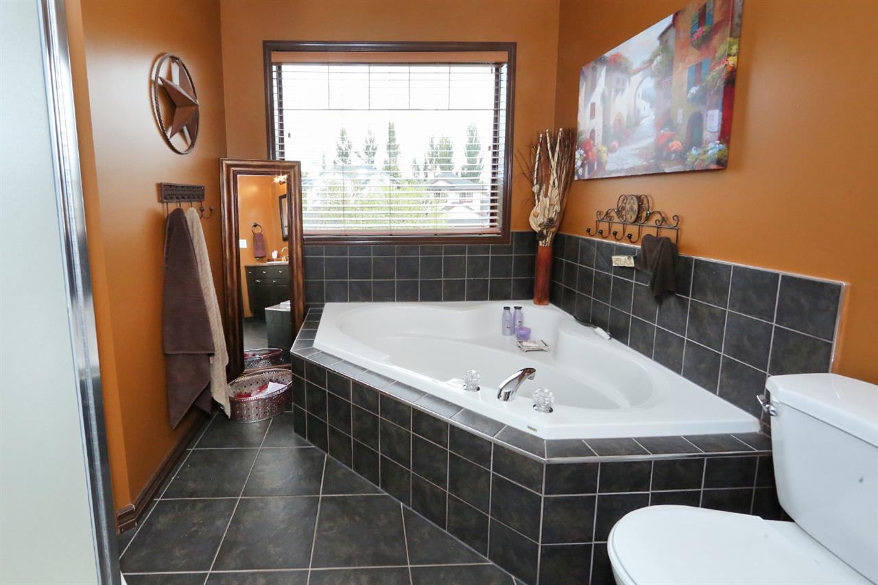 Photo 19: 353 Byrne Court in Edmonton: Zone 55 House for sale : MLS® # E4081755