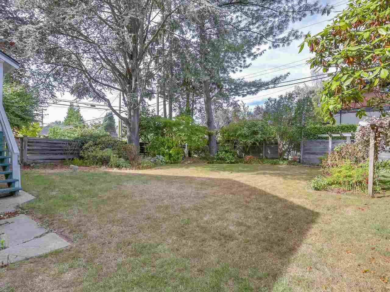 "Photo 9: 3995 W 29TH Avenue in Vancouver: Dunbar House for sale in ""DUNBAR"" (Vancouver West)  : MLS® # R2205694"