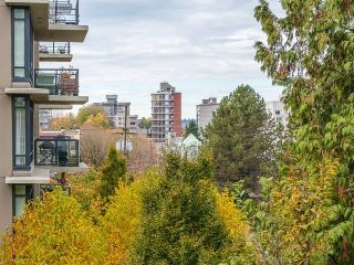 "Main Photo: 301 1412 W 14TH Avenue in Vancouver: Fairview VW Condo for sale in ""Landmark Sunset"" (Vancouver West)  : MLS® # R2219380"