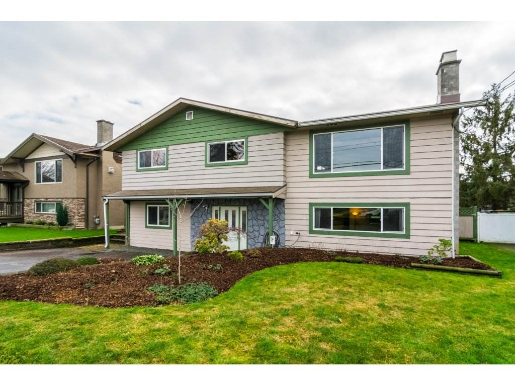 Main Photo: 17862 58 Avenue in Surrey: Cloverdale BC House for sale (Cloverdale)  : MLS® # R2230547