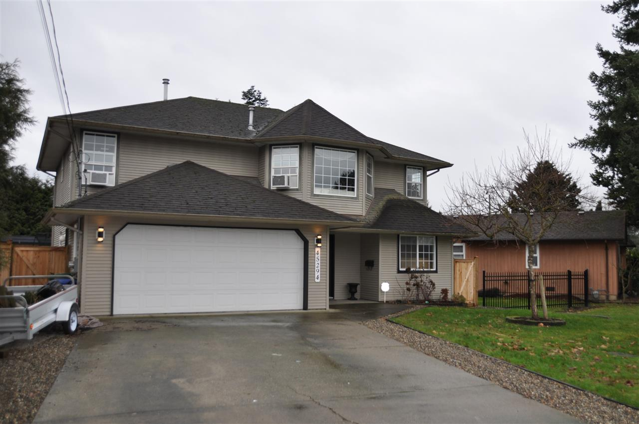 Main Photo: 45294 CRESCENT Drive in Chilliwack: Chilliwack W Young-Well House for sale : MLS® # R2232310