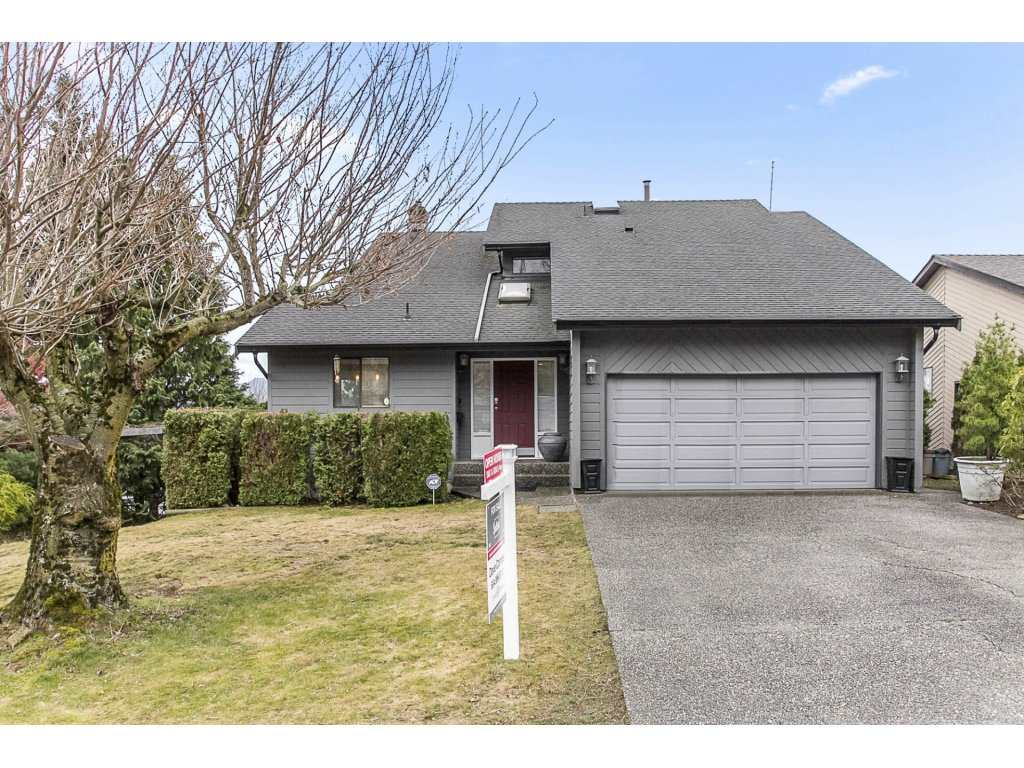 Main Photo: 35804 SUNRIDGE Place in Abbotsford: Abbotsford East House for sale : MLS® # R2244271