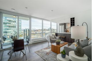 "Main Photo: 1006 1788 COLUMBIA Street in Vancouver: False Creek Condo for sale in ""EPIC"" (Vancouver West)  : MLS® # R2246475"