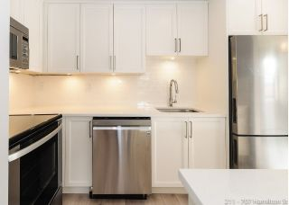 "Main Photo: 211 707 HAMILTON Street in New Westminster: Uptown NW Condo for sale in ""CASA DIANN"" : MLS®# R2257301"