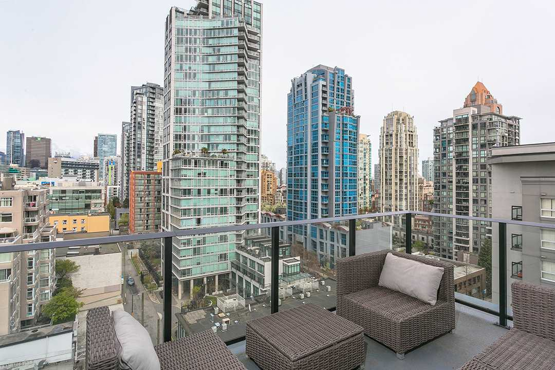 "Main Photo: 1106 1325 ROLSTON Street in Vancouver: Downtown VW Condo for sale in ""THE ROLSTON"" (Vancouver West)  : MLS®# R2265814"