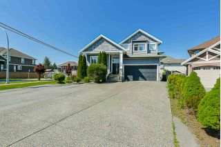 Main Photo: 7126 150 Street in Surrey: East Newton House for sale : MLS®# R2268054