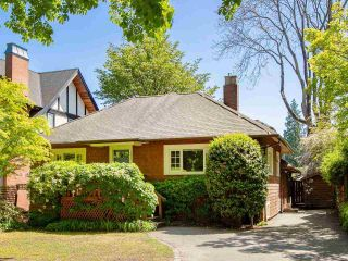 "Main Photo: 3530 W 43RD Avenue in Vancouver: Dunbar House for sale in ""DUNBAR"" (Vancouver West)  : MLS®# R2272827"