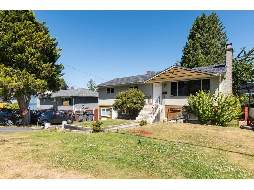 "Main Photo: 14105 77A Avenue in Surrey: East Newton House for sale in ""EAST NEWTON"" : MLS®# R2286197"