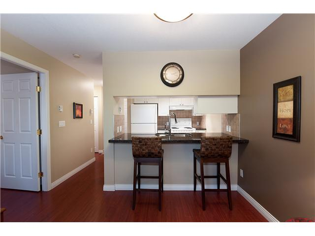 "Photo 3: 107 929 W 16TH Avenue in Vancouver: Fairview VW Condo for sale in ""Oakview Gardens"" (Vancouver West)  : MLS® # V921322"