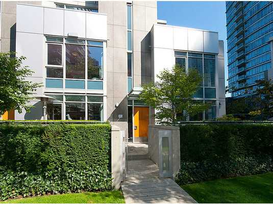Main Photo: TH33 1281 W CORDOVA Street in Vancouver: Coal Harbour Condo for sale (Vancouver West)  : MLS® # V990509