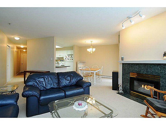 "Photo 7: 110 2551 PARKVIEW Lane in Port Coquitlam: Central Pt Coquitlam Condo for sale in ""THE CRESCENT"" : MLS(r) # V1041287"
