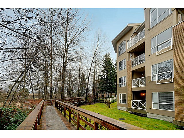 "Photo 14: 110 2551 PARKVIEW Lane in Port Coquitlam: Central Pt Coquitlam Condo for sale in ""THE CRESCENT"" : MLS(r) # V1041287"