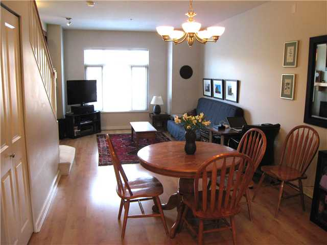 "Photo 6: 228 600 PARK Crescent in New Westminster: GlenBrooke North Townhouse for sale in ""THE ROYCROFT"" : MLS(r) # V1058358"