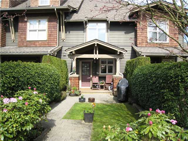 "Photo 1: 228 600 PARK Crescent in New Westminster: GlenBrooke North Townhouse for sale in ""THE ROYCROFT"" : MLS(r) # V1058358"