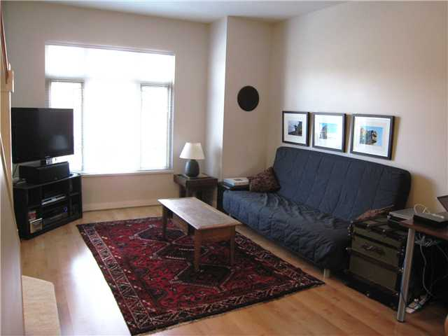 "Photo 4: 228 600 PARK Crescent in New Westminster: GlenBrooke North Townhouse for sale in ""THE ROYCROFT"" : MLS(r) # V1058358"