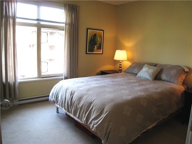 "Photo 7: 228 600 PARK Crescent in New Westminster: GlenBrooke North Townhouse for sale in ""THE ROYCROFT"" : MLS(r) # V1058358"