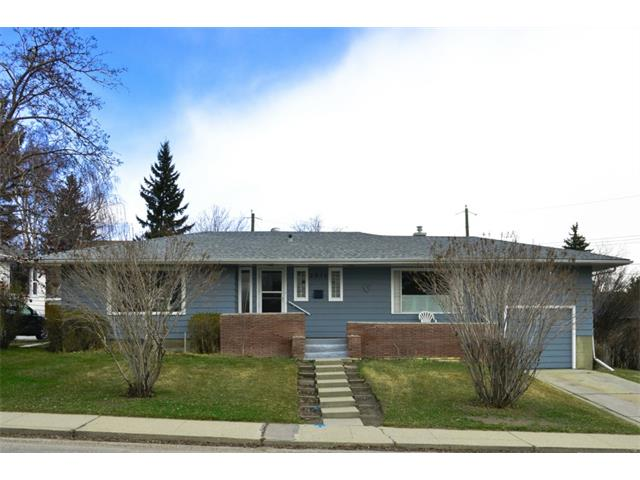 Main Photo: 2016 23 Avenue SW in Calgary: Richmond Park_Knobhl House for sale : MLS®# C4004301
