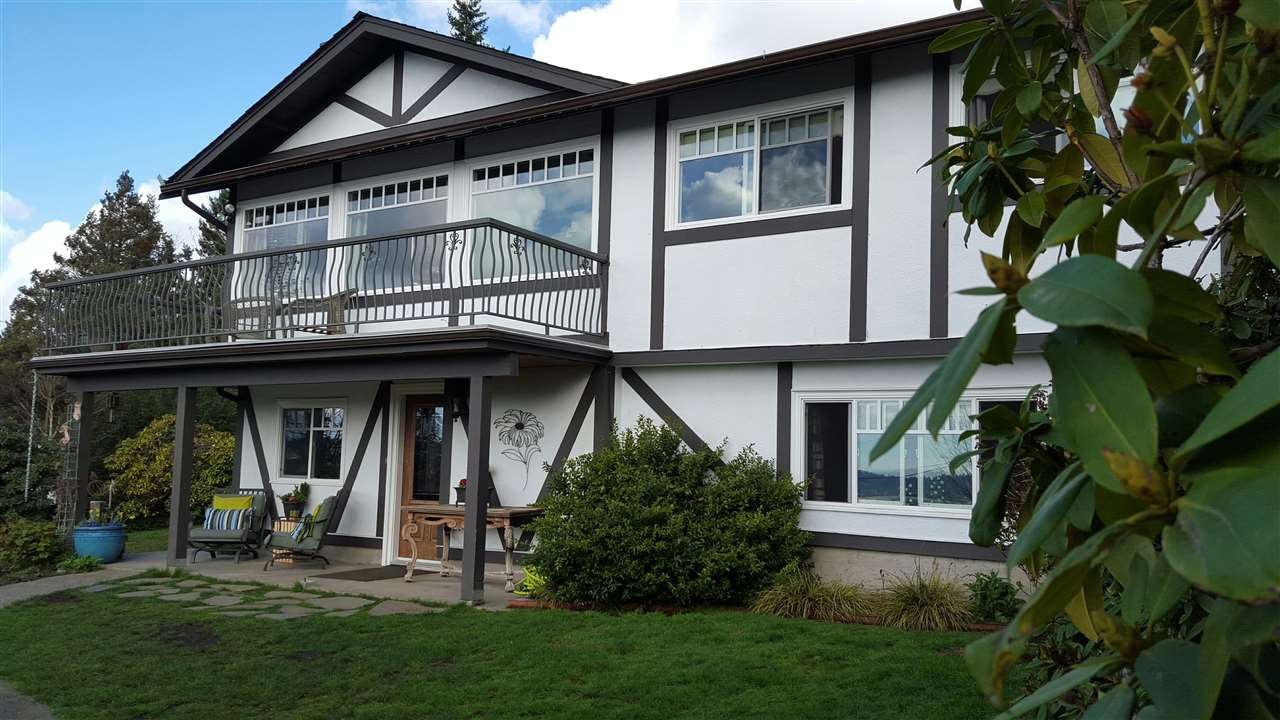 Main Photo: 325 SEAFORTH Crescent in Coquitlam: Central Coquitlam House for sale : MLS® # R2041423