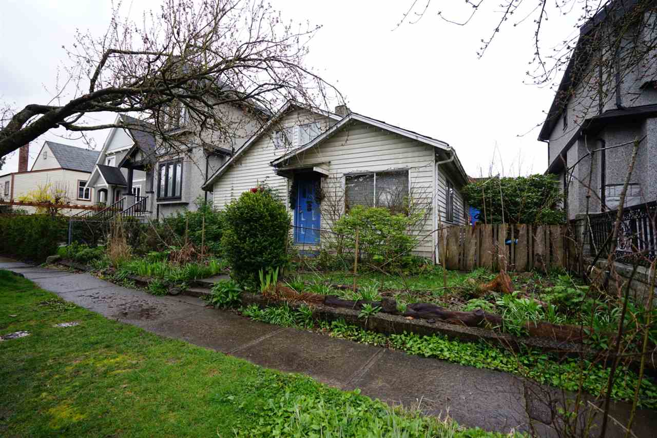 Main Photo: 66 E 23RD Avenue in Vancouver: Main House for sale (Vancouver East)  : MLS(r) # R2057070