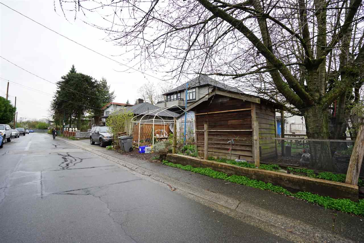 Photo 5: 66 E 23RD Avenue in Vancouver: Main House for sale (Vancouver East)  : MLS(r) # R2057070