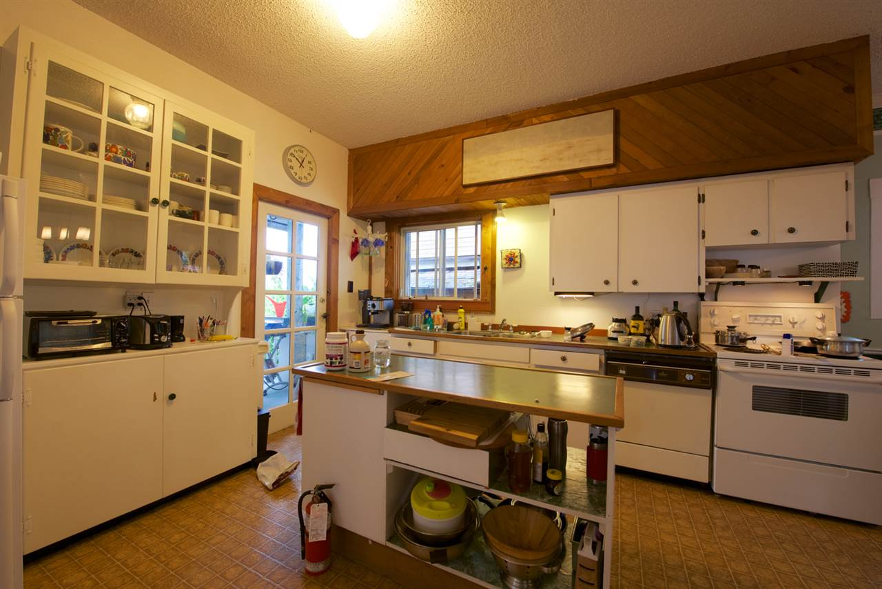 Photo 4: 3575 FLEMING Street in Vancouver: Knight House for sale (Vancouver East)  : MLS® # R2089171
