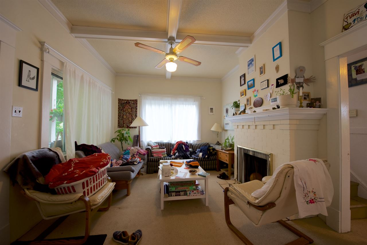 Photo 2: 3575 FLEMING Street in Vancouver: Knight House for sale (Vancouver East)  : MLS® # R2089171
