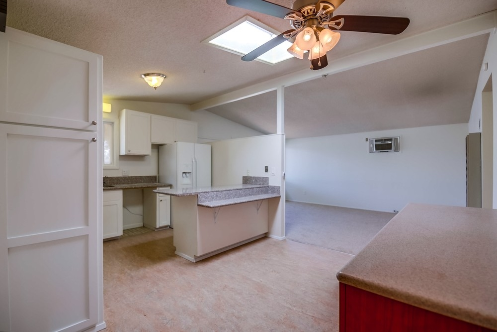 Photo 7: SERRA MESA House for sale : 3 bedrooms : 3261 Pasternack Pl in San Diego