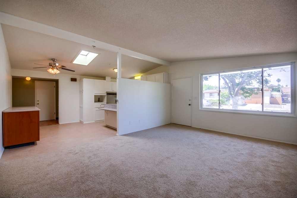 Photo 6: SERRA MESA House for sale : 3 bedrooms : 3261 Pasternack Pl in San Diego