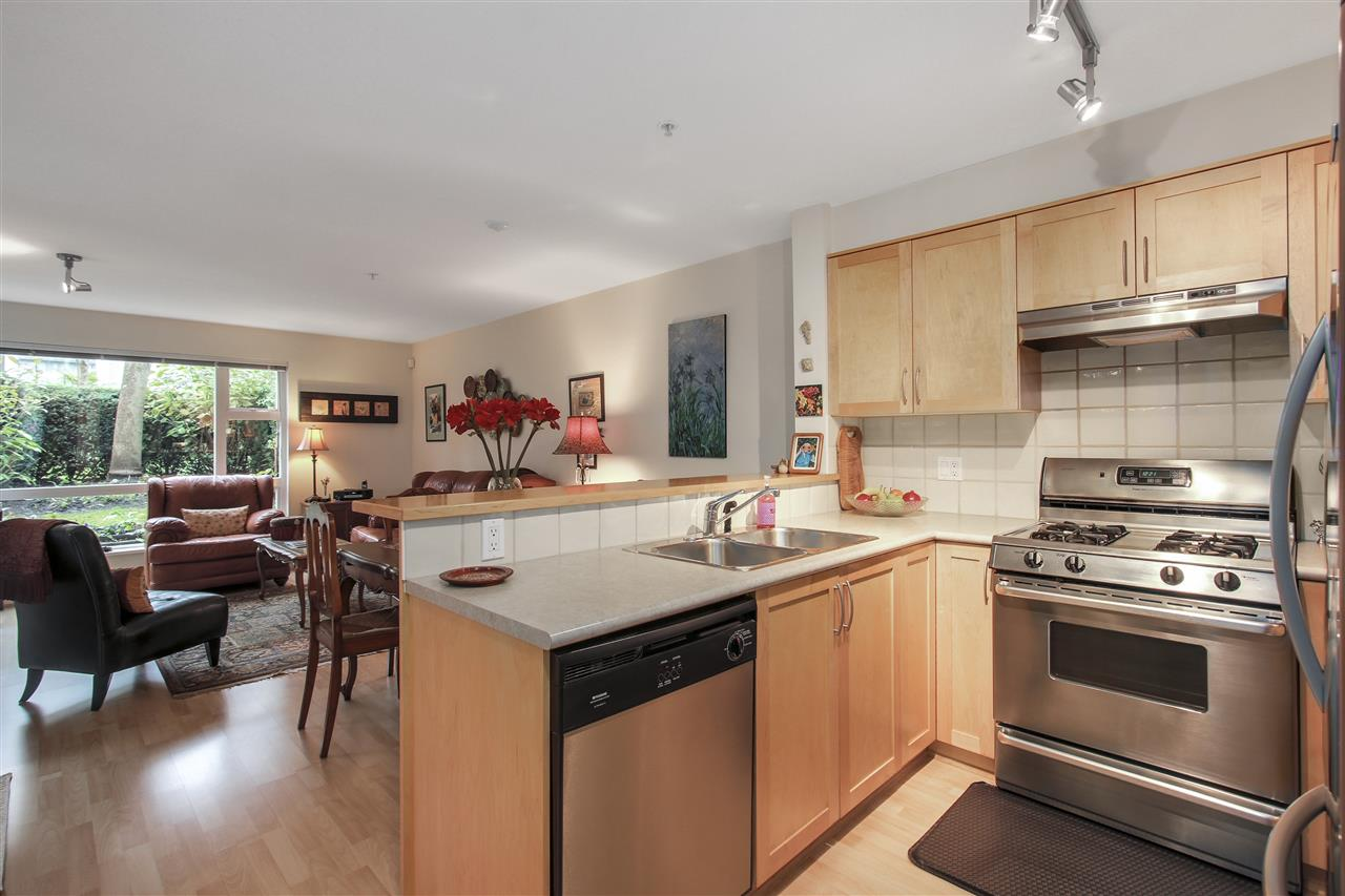 "Photo 2: 110 1868 W 5TH Avenue in Vancouver: Kitsilano Condo for sale in ""Greenwich"" (Vancouver West)  : MLS(r) # R2122472"