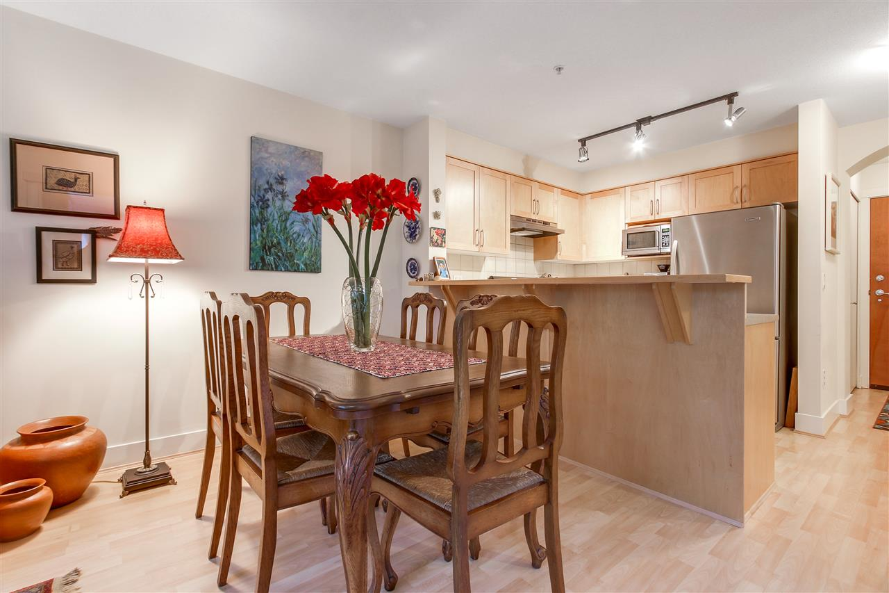 "Photo 5: 110 1868 W 5TH Avenue in Vancouver: Kitsilano Condo for sale in ""Greenwich"" (Vancouver West)  : MLS(r) # R2122472"
