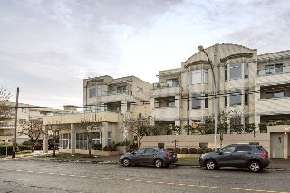 "Main Photo: 202 20680 56 Avenue in Langley: Langley City Condo for sale in ""CASSOLA COURT"" : MLS(r) # R2128585"