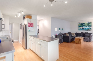 "Main Photo: 405 711 E 6TH Avenue in Vancouver: Mount Pleasant VE Condo for sale in ""Picasso"" (Vancouver East)  : MLS(r) # R2140091"