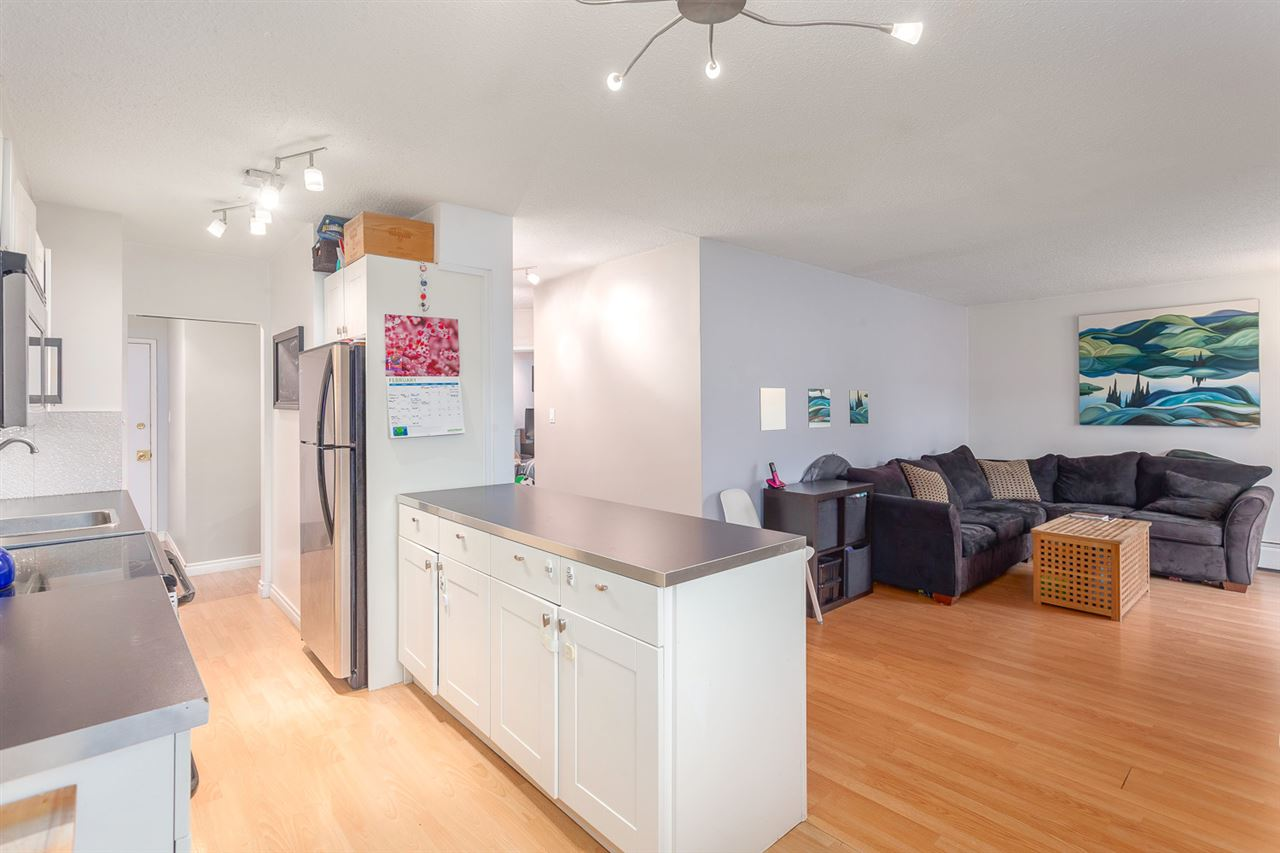 "Main Photo: 405 711 E 6TH Avenue in Vancouver: Mount Pleasant VE Condo for sale in ""Picasso"" (Vancouver East)  : MLS® # R2140091"