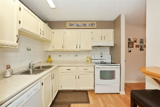 Main Photo: 114 9504 182 Street in Edmonton: Zone 20 Condo for sale : MLS(r) # E4053789