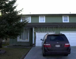 Main Photo: 11427 165 Avenue in Edmonton: Zone 27 House Half Duplex for sale : MLS(r) # E4057773