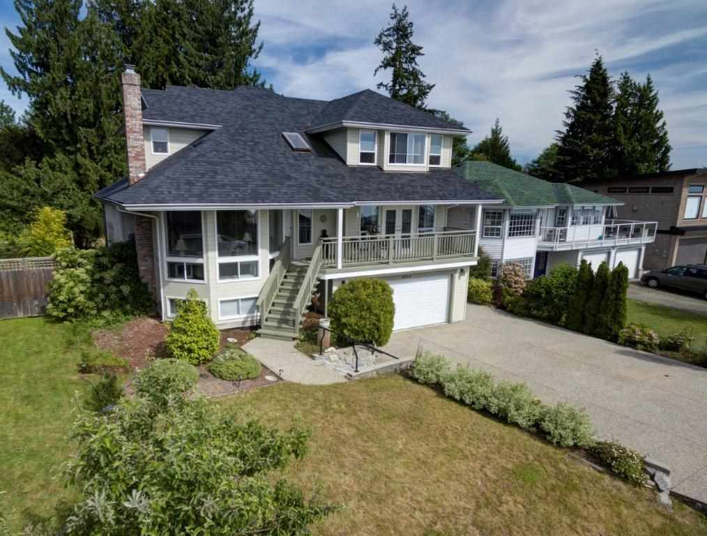 Main Photo: 4864 BLUEGROUSE Drive in Sechelt: Sechelt District House for sale (Sunshine Coast)  : MLS(r) # R2174754