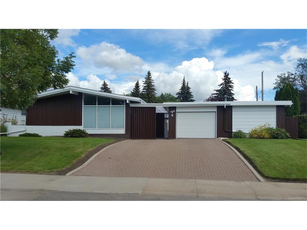 Main Photo: 9 Simpson Crescent in Saskatoon: Greystone Heights Residential for sale : MLS(r) # SK616137