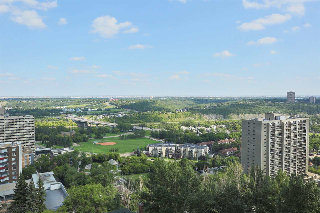 Main Photo: 1501 9921 104 Street in Edmonton: Zone 12 Condo for sale : MLS®# E4077832