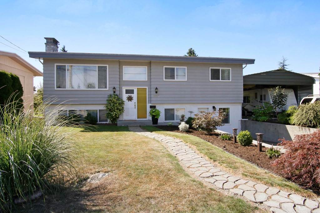 "Main Photo: 32126 DEBREEN Crescent in Abbotsford: Abbotsford West House for sale in ""Dormick Park"" : MLS®# R2196715"