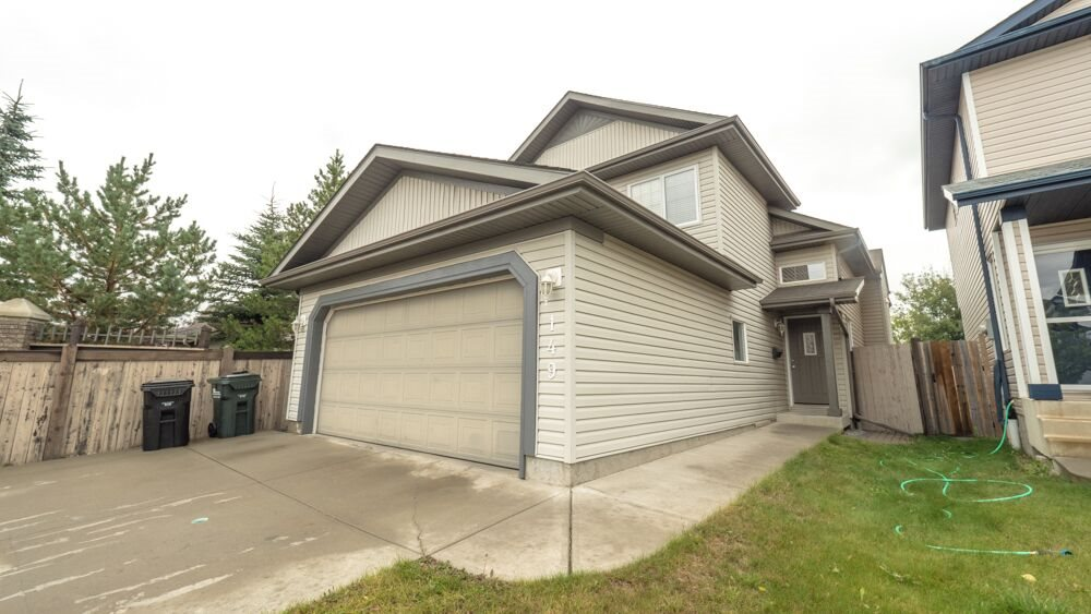 Main Photo: 149 CROCUS Crescent: Sherwood Park House for sale : MLS® # E4083030