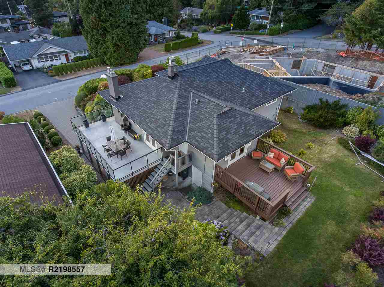Main Photo: 4484 CANTERBURY Crescent in North Vancouver: Forest Hills NV House for sale : MLS® # R2214460