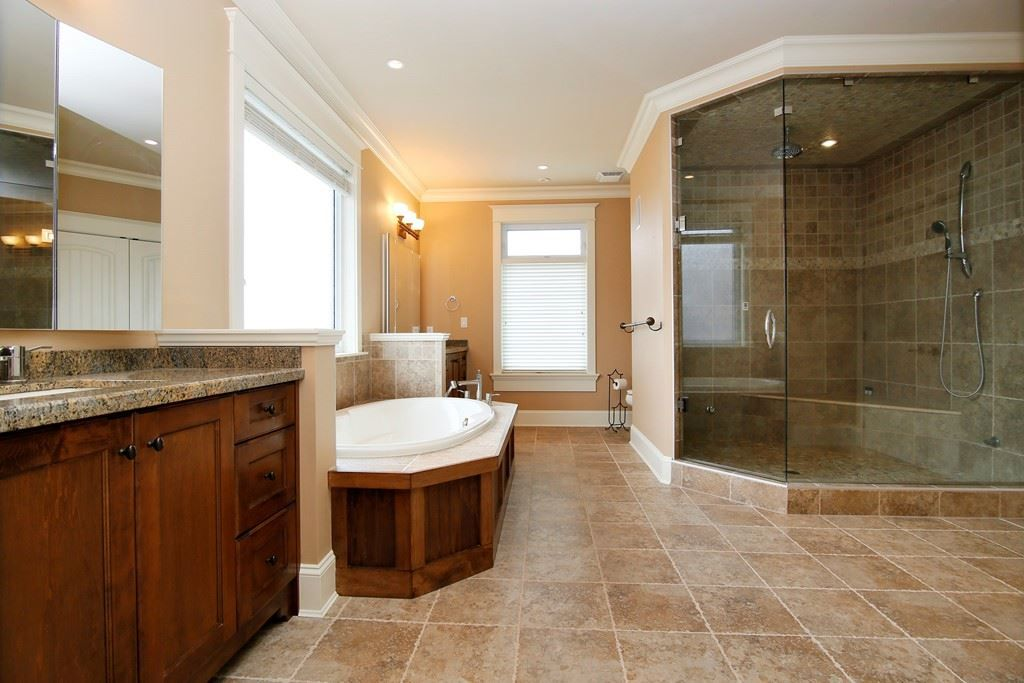 "Photo 9: Photos: 35488 JADE Drive in Abbotsford: Abbotsford East House for sale in ""Eagle Mountain"" : MLS® # R2222601"