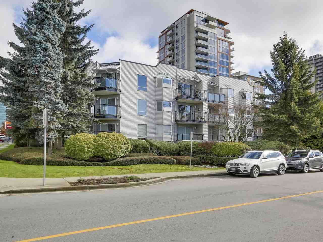 "Photo 2: Photos: 108 1550 CHESTERFIELD Avenue in North Vancouver: Central Lonsdale Condo for sale in ""THE CHESTERS"" : MLS® # R2242506"