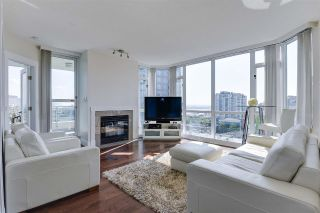 "Main Photo: 904 140 E 14TH Street in North Vancouver: Central Lonsdale Condo for sale in ""Springhill Place"" : MLS®# R2270647"