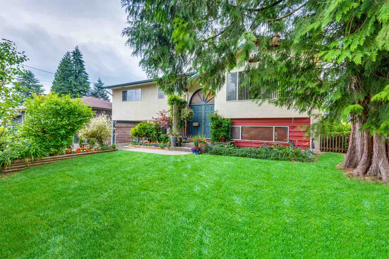 "Main Photo: 3925 SEFTON Street in Port Coquitlam: Oxford Heights House for sale in ""Oxford Heights"" : MLS®# R2272628"