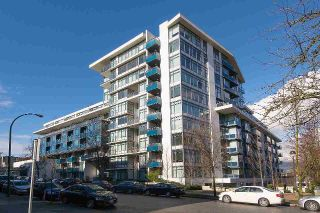 "Main Photo: 626 1777 W 7TH Avenue in Vancouver: Fairview VW Condo for sale in ""KITS 360"" (Vancouver West)  : MLS®# R2309339"