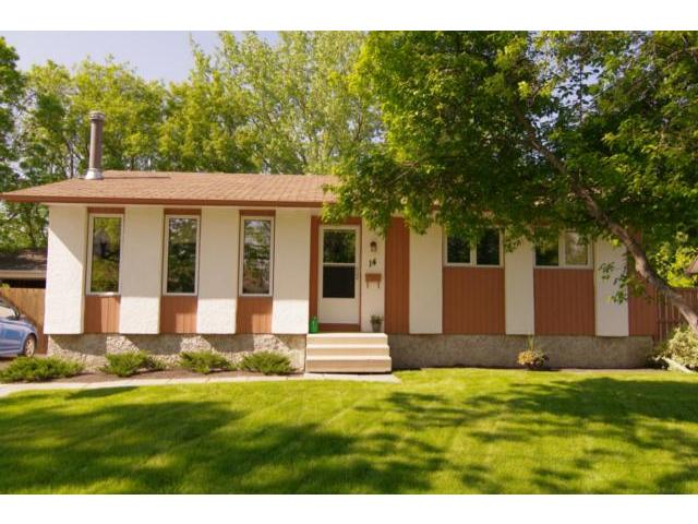 Photo 1: 14 Bergman Crescent in WINNIPEG: Charleswood Residential for sale (South Winnipeg)  : MLS(r) # 1111132